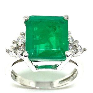 STERLING SILVER EMERALD ENGAGEMENT/ COCKTAIL RING